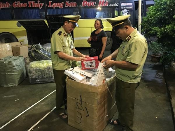 Lạng Sơn: Thu giữ hơn 1.000 bánh trung thu ngọt nhập lậu từ Trung Quốc - Hình 1