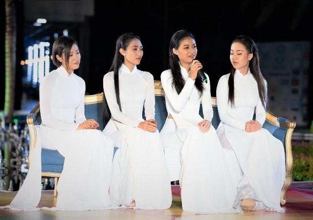 Hoa hậu Trần Tiểu Vy bật khóc trước dự án nhân ái của Miss World Việt Nam 2019 - Hình 4