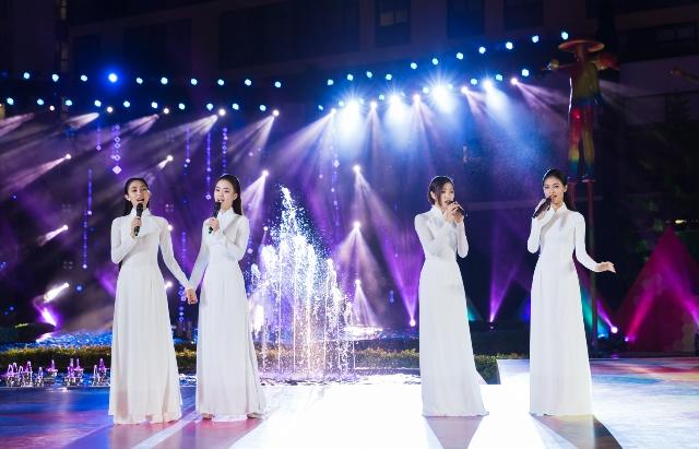 Hoa hậu Trần Tiểu Vy bật khóc trước dự án nhân ái của Miss World Việt Nam 2019 - Hình 5