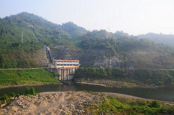 Nhiều hồ thủy điện vẫn cạn nước dù mưa lũ - Hình 1