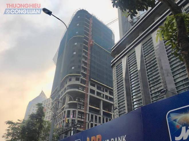 Vừa tái khởi động, Manhattan Tower 21 Lê Văn Lương lại im lìm - Hình 1