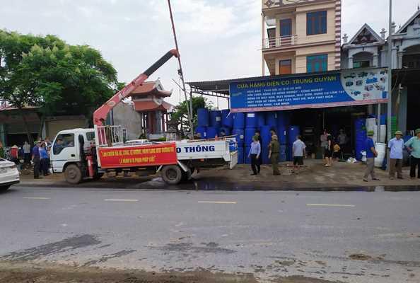 Vĩnh Phúc: Ra quân giải tỏa hành lang an toàn giao thông tuyến Quốc lộ 2 - Hình 1