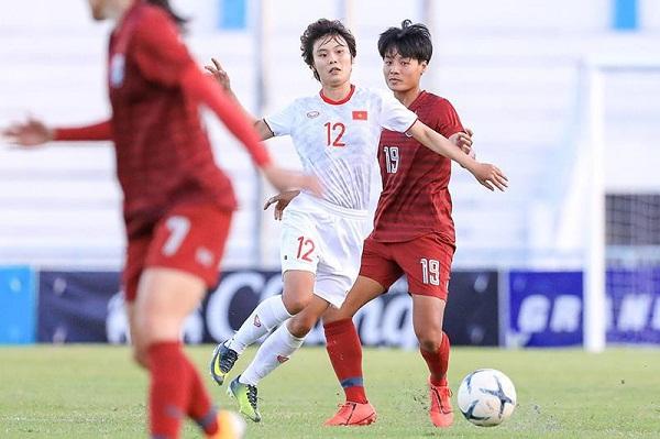 Hải Yến thực hiện đường căng ngang giúp Huỳnh Như lập công đưa tuyển nữ Việt Nam vô địch AFF Cup 2019.