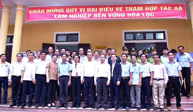 Phó Thủ tướng Trương Hoà Bình về thăm HTX Lâm nghiệp tại huyện Phú Lộc