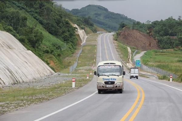 Một đoạn cao tốc Nội Bài - Lào Cai