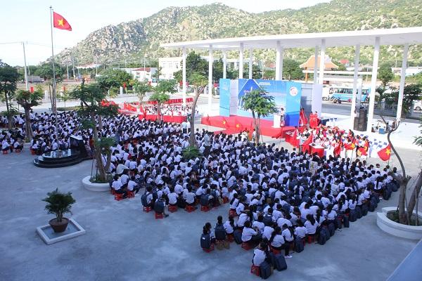 Lễ khai giảng và bàn giao trường THCS – THPT Đặng Chí Thanh
