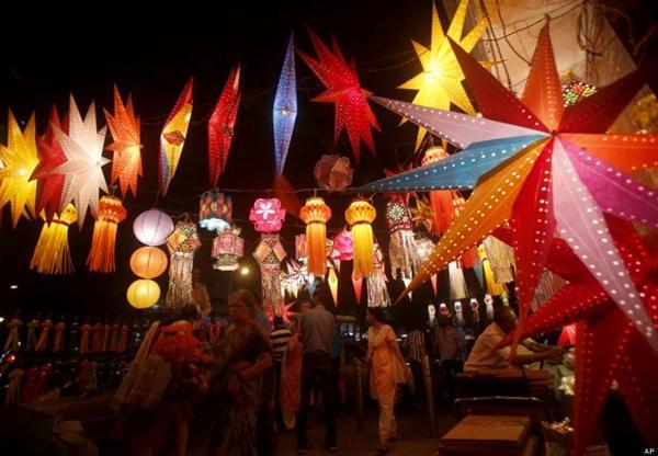 các bữa tiệc nướng ngoài trời như một phần của các cuộc tụ họp gia đình trong Tết Trung Thu
