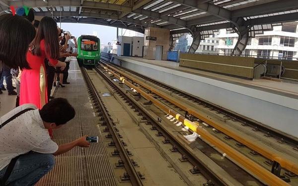 Cục trưởng Cục Đường sắt Việt Nam cho biết, Ban Quản lý dự án Đường sắt đã trình lên Cục Đường sắt hồ sơ đoàn tàu đường sắt Cát Linh - Hà Đông và hiện đang chờ Cục Đường sắt cấp đăng ký