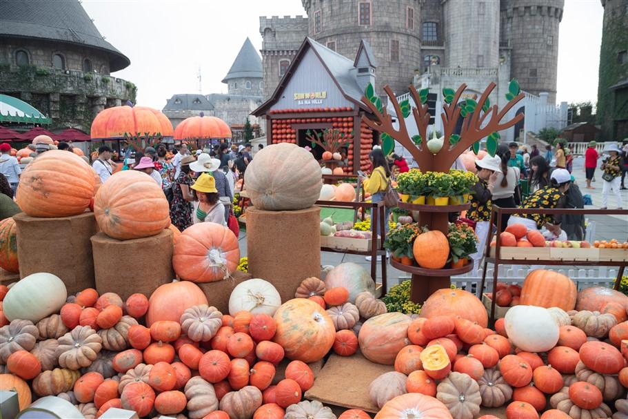 Khai mạc từ 1/10, lễ hội Halloween 2019 trên đỉnh núi Chúa đã ngay lập tức đã tạo nên một cơn sốt check-in cho giới trẻ