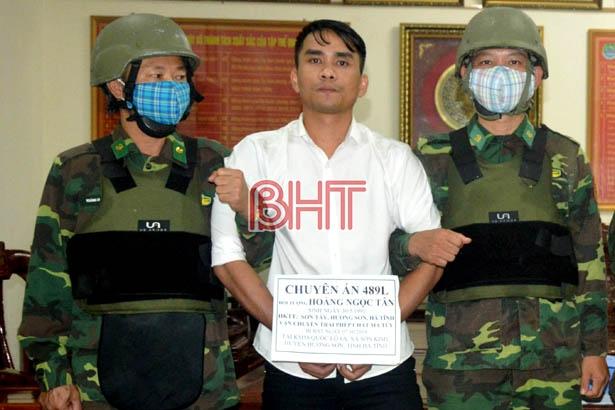 Đối tượng Hoàng Ngọc Tân bị bắt về tội vận chuyển ma túy