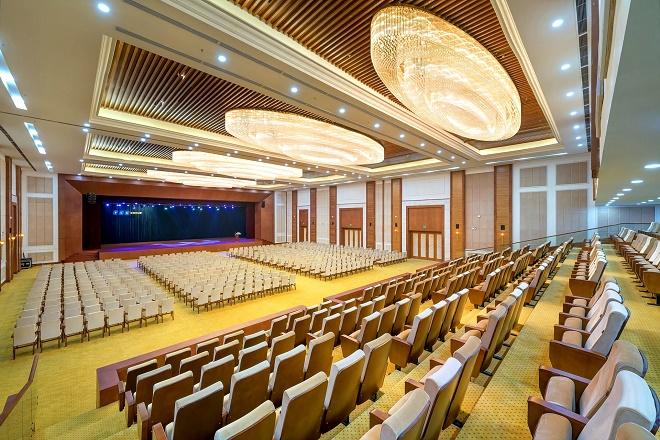 Khán phòng Bạch Long Vĩ với diện tích hơn 1.700m2 tại FLC Hạ Long là địa điểm lý tưởng cho các hội nghị, hội thảo quy mô