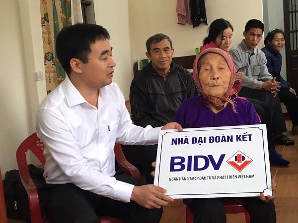 BIDV trao tặng nhà cụ Trương Thị Tịnh (huyện Tiền Hải)