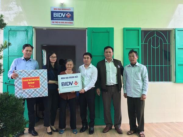 BIDV trao tặng nhà cụ Phí Thị Gắn (huyện Thái Thụy)