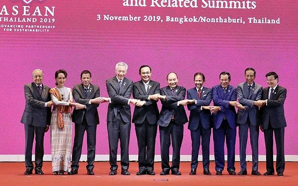 Thủ tướng Nguyễn Xuân Phúc và các Trưởng đoàn tại phiên khai mạc hội nghị. Ảnh: THỐNG NHẤT