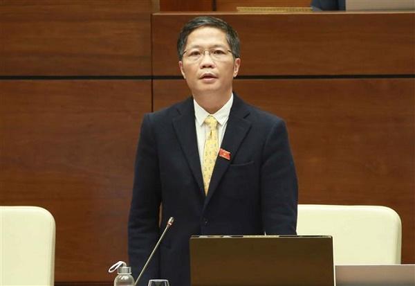 Bộ trưởng Trần Tuấn Anh trả lời chất vấn