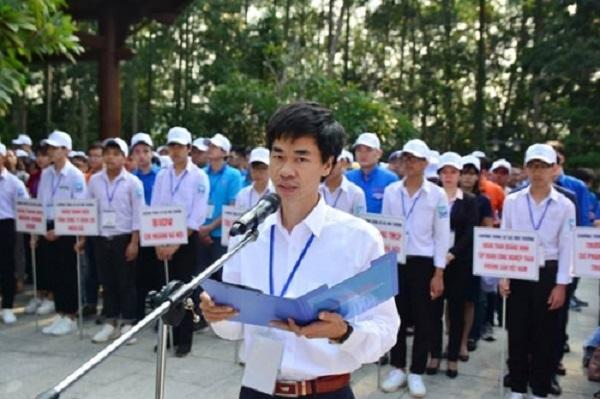 Ông Vũ Trường Xuân, Viện trưởng Viện Môi trường và Năng lượng tái tạo tại lễ phát động trồng cây