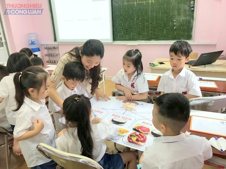 Nhà trường luôn chú trọng giáo dục phát triển nhân cách và năng lực toàn diện