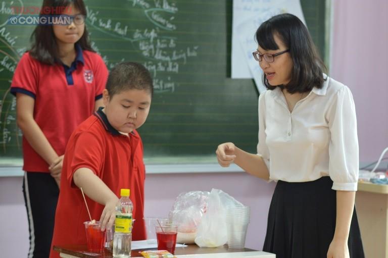 Các thầy cô giáo trường Pascal tham gia các tiết dạy Hội giảng, thi đua chào mừng ngày Nhà giáo Việt Nam 20/11.