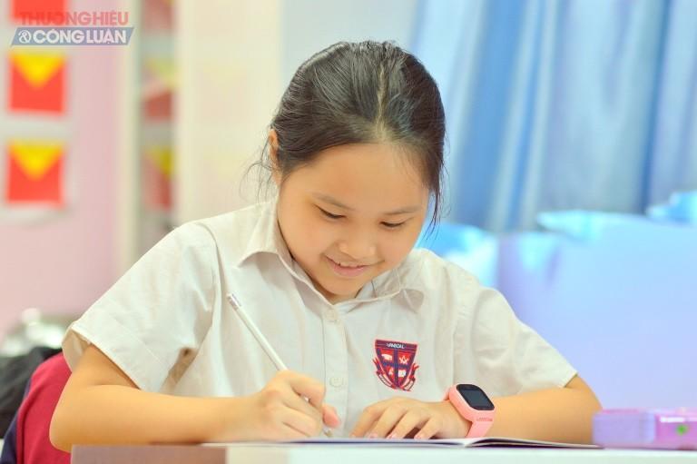 Các bạn học tri ân thầy cô giáo thông qua cuộc thi Sáng tác về thầy cô.