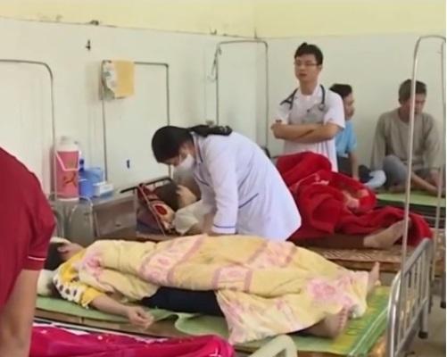 Vài ngày qua đã có hơn 100 công nhân Công ty TNHH Lợi Tín nhập viện với biểu hiện bị ngộ độc