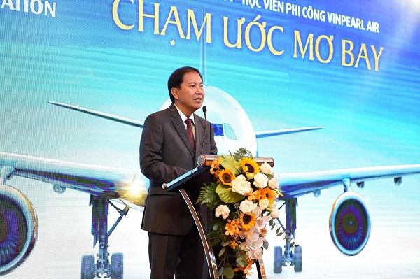 Tổng giám đốc Vinpearl Air Phan Xuân Đức với bài phát biểu truyền cảm hứng cho những học viên khóa đào tạo phi công đầu tiên