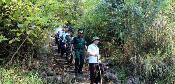 Phó chủ tịch UBND, Trưởng BCĐ 389/Lạng Sơn, Nguyễn Công Trưởng kiểm tra công tác chống buôn lậu tại khu vực biên giới