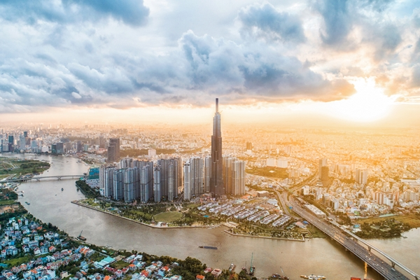 Với sự phát triển không ngừng nghỉ, Vingroup đã đứng đầu bảng xếp hạng Doanh nghiệp tư nhân lớn nhất Việt Nam ba năm liên tiếp