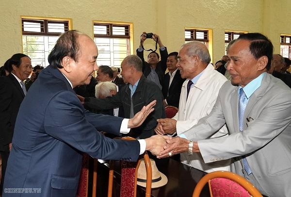 Thủ tướng tiếp xúc cử tri huyện đảo Cát Hải, TP. Hải Phòng