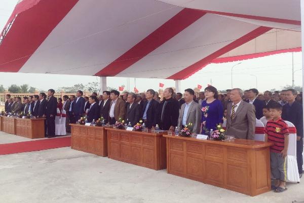 Các đại biểu về tham dự buổi lễ