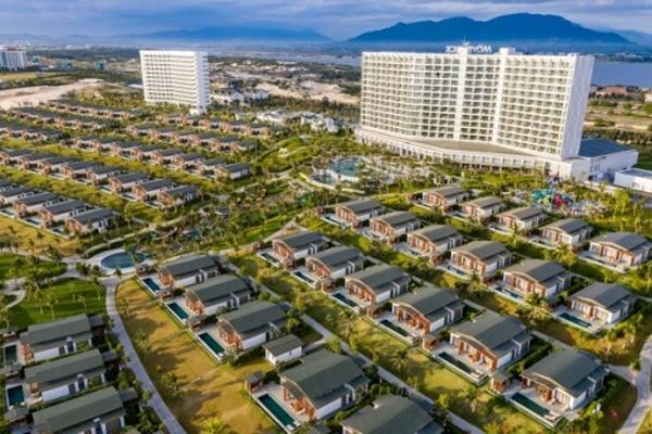 Quần thể nghỉ dưỡng 5 sao quốc tế Mövenpick Resort Cam Ranh và Radisson Blu Resort Cam Ranh