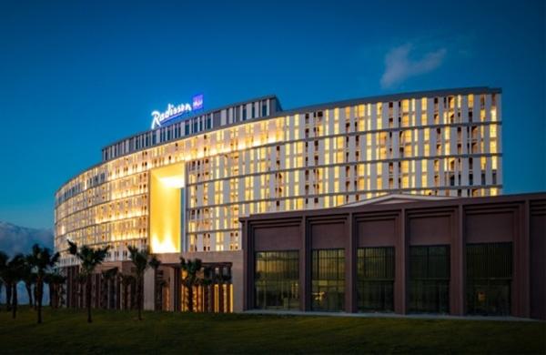 Khách sạn Radisson Blu