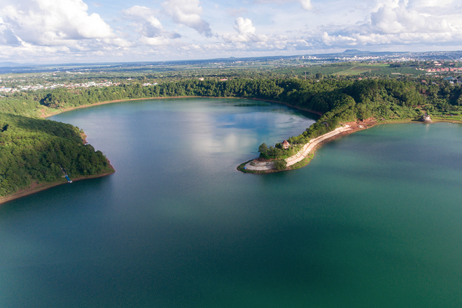 Biển Hồ - Địa điểm du lịch nổi tiếng của Gia Lai