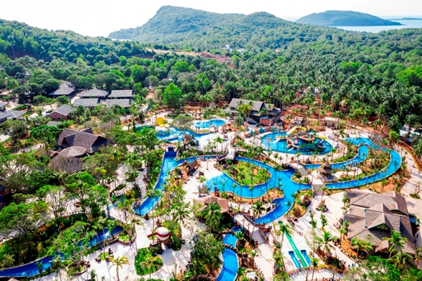 Công viên nước Aquatopia Water Park tại Hòn Thơm (Phú Quốc)