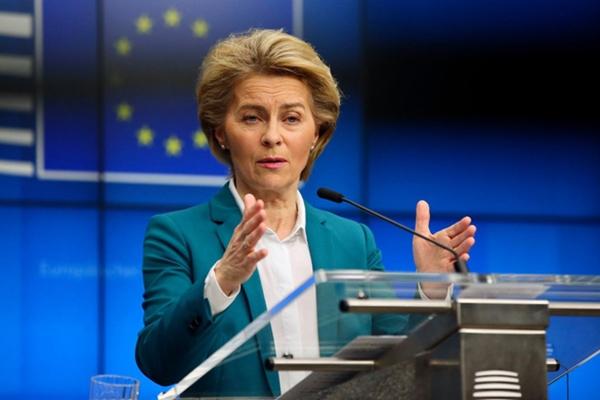 Bà Ursula von der Leyen, Chủ tịch Ủy ban châu Âu (Ảnh: AP)