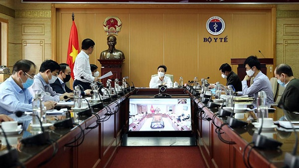 Phó thủ tướng Vũ Đức Đam chủ trì cuộc họp trực tuyến