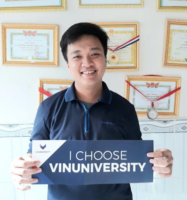 Lê Phan Khánh Huy được trao học bổng toàn phần VinUni sau hai vòng phỏng vấn gây ấn tượng đặc biệt