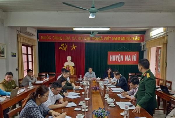 Ban Chỉ đạo phòng, chống dịch Covid-19 huyện Na Rì luôn sát sao với tình hình dịch bệnh.