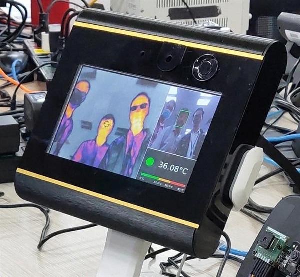 Máy đo thân nhiệt đã được Vingroup sản xuất thử nghiệm thành công
