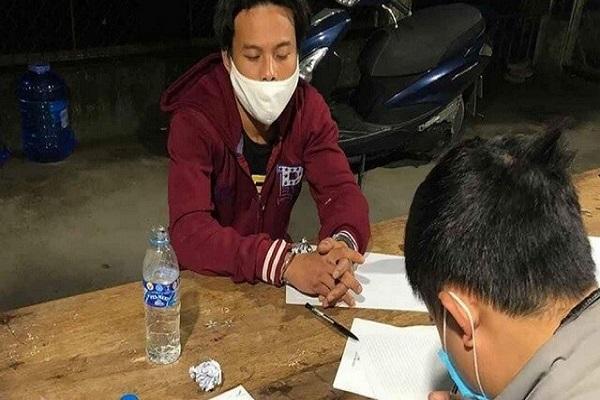 Sơn bị bắt giữ khi  tàng trữ 96 viên ma túy tổng hợp trong khu cách ly tập trung