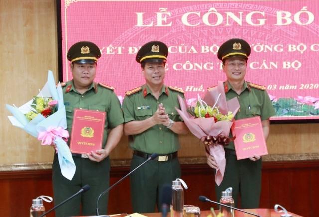 Đại tá Nguyễn Văn Thanh (người đứng giữa)