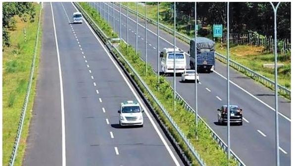 Bộ Giao thông Vận tải sẽ đấu thầu các dự án thành phần cao tốc Bắc-Nam (Ảnh minh hoạ: TTXVN)