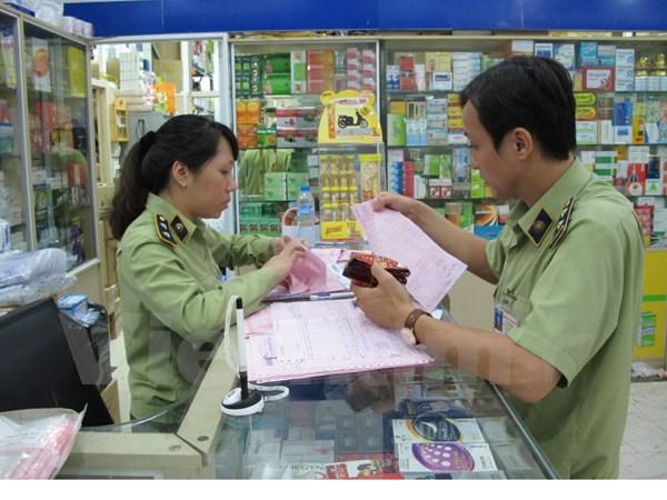 Lực lượng chức năng kiểm tra cửa hàng bán thốc tây (Ảnh minh họa)