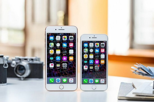Bộ đôi iPhone 8 và 8 Plus bị