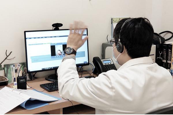 Ngay từ khi đưa vào hoạt động, dịch vụ khám chữa bệnh từ xa tại Bệnh viện Vinmec Times City (Hà Nội) và Vinmec Central Park (TPHCM) đã được nhiều người bệnh quan tâm đăng ký