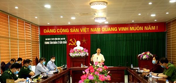 Phó Chủ tịch UBND tỉnh Lạng Sơn, Nguyễn Công Trưởng phát biểu tại buổi họp
