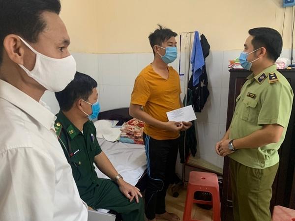Đoàn công tác đến thăm hỏi, động viên cán bộ, chiến sỹ