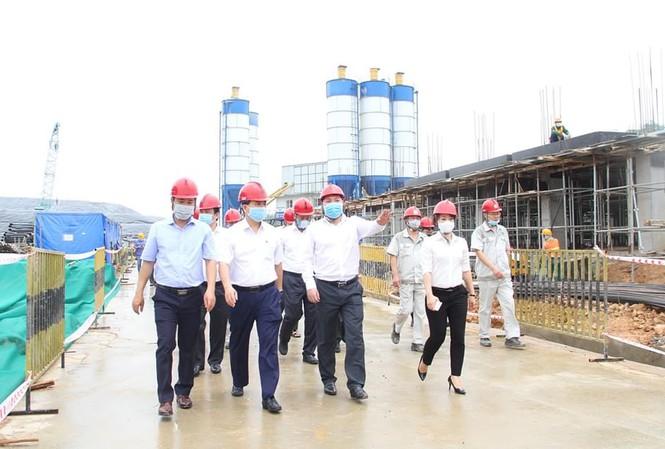 yêu cầu các sở ngành 'gỡ khó' cho dự án, Ông Nguyễn Đức Chung, đề nghị hàng tuần, chủ đầu tư phải có báo cáo (tiến độ, khó khăn vướng mắc)