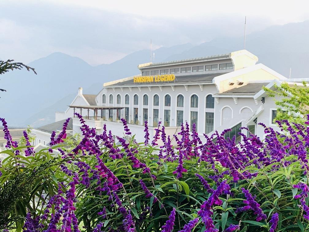 Khu du lịch Sun World Fansipan Legend đang giảm 60% giá vé cáp treo cho người dân Tây Bắc và từ ngày 15/5 sẽ giảm 33% giá vé cáp treo cho du khách toàn quốc