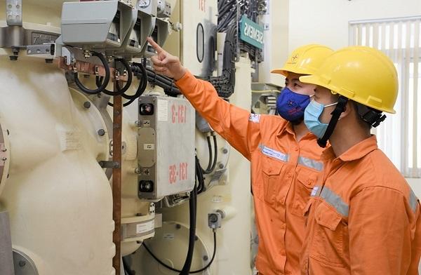 Bên cạnh triển khai thực hiện giảm giá điện, giảm tiền điện, EVN và các đơn vị đã và đang nỗ lực để hoàn thành tốt nhiệm vụ kép