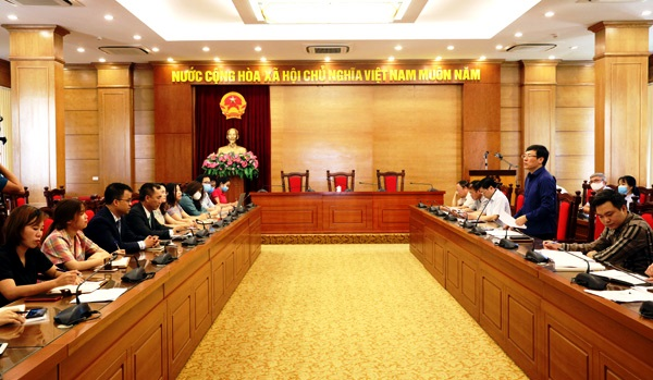 Ông Lê Duy Thành - PCT UBND tỉnh Vĩnh Phúc phát biểu tại hội nghị